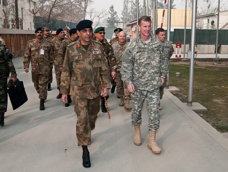 Gen. Ashfaq Parvez Kayani, Chief of Army Staff of the Pakistan Army and Gen. Stanley A. McChrystal, Commander of NATO International Security Assistance Force and U.S. Forces Afghanistan. Photo by U.S. Army Sgt. David E. Alvarado/Flickr CC